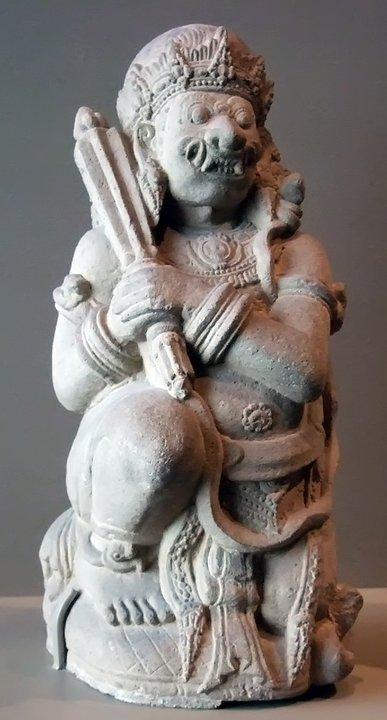 Door guardian 1300-1400 ce indonesia eastern java andesite (3) the